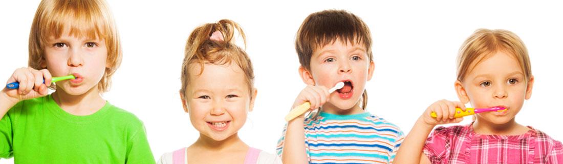 child-group-of-kids-brushing-teeth.jpg